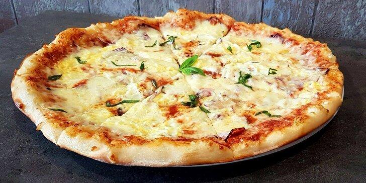 2× pizza o průměru 40 cm dle vlastního výběru: na místě, s sebou i rozvoz