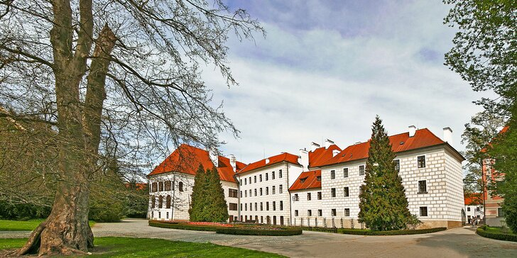 Za krásou jižních Čech: pobyt v Třeboni s polopenzí a vstupem do lázní