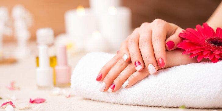 Klasická nebo suchá manikúra včetně lakování gel lakem i zábalu rukou