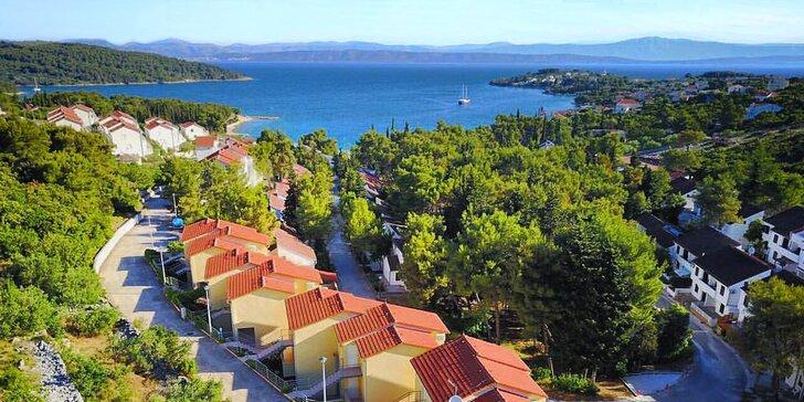 Dovolená na ostrově Šolta: apartmány až pro 4 osoby jen 150 m od moře