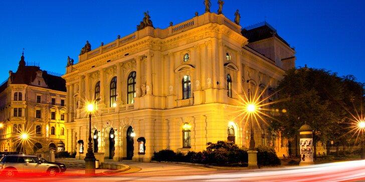 Divadlo F. X. Šaldy: 7 vstupenek na činohru nebo 5 na operu, pamětní kniha a další dárky