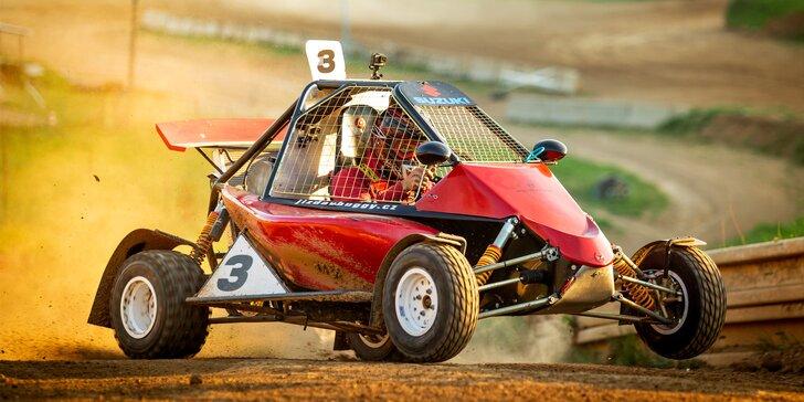 Jízda ve speciálně upravené závodní buggy: 3 až 7 kol na uzavřené trati