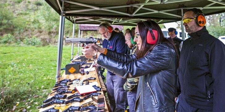 Nabité střelecké balíčky až pro 4 osoby: až 26 zbraní a 300 nábojů