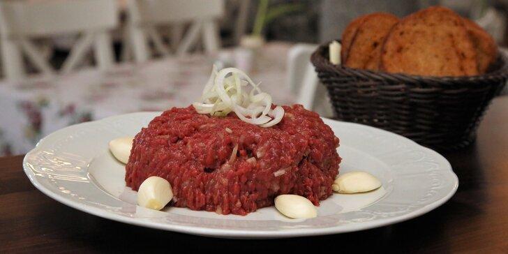 300 či 500 gramů masitého blaha: Čerstvě namíchaný tatarák až pro 4 osoby