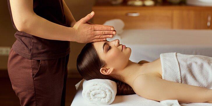Olejová nebo luxusní čokoládová masáž dekoltu a obličeje s masáží hlavy nasucho
