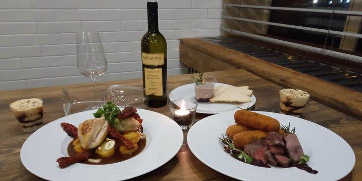 Romantická Valentýnská večeře pro dva: 3chodové menu a láhev vína k tomu