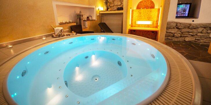 90 minut privátního wellness pro pár: romantika i relax ve vířivce či sauně