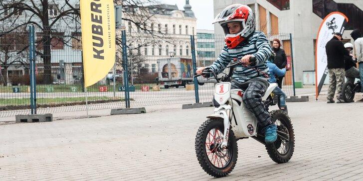 Jízda na elektromotorce pro děti na akci Motosalon Brno