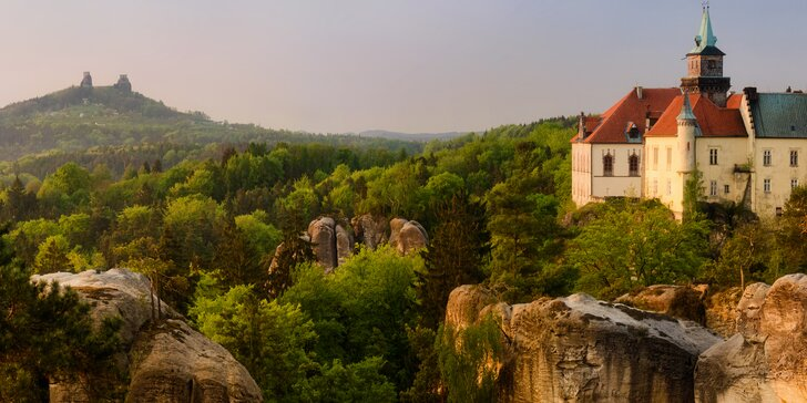Aktivní odpočinek: pobyt s polopenzí a privátním wellness přímo pod hradem Trosky