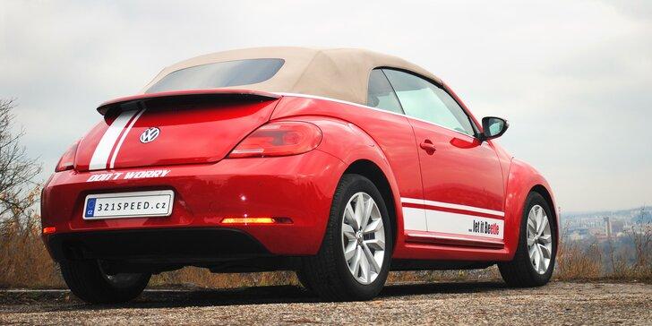 Moderní verze Volkswagenu Beetle se sklápěcí střechou: zapůjčení až na 15 dní pro 1 osobu
