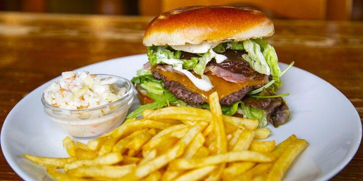 Burgerové menu pro dva i čtyři: hovězí z mladého býčka, hranolky a salát