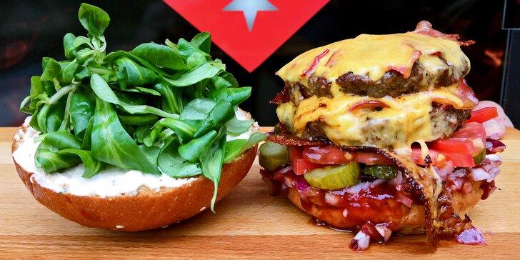 Doublecheesburger se slaninou, čedarem a BBQ omáčkou v domácí housce