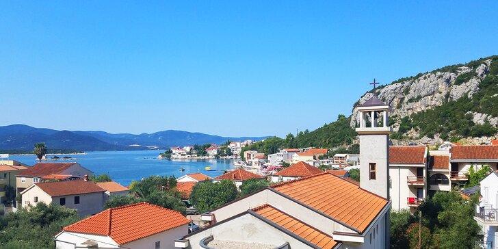 Až 7 nocí v Chorvatsku pro páry i rodiny: šumění Jadranu, krásy Dalmácie a apartmány 5 minut od pláže