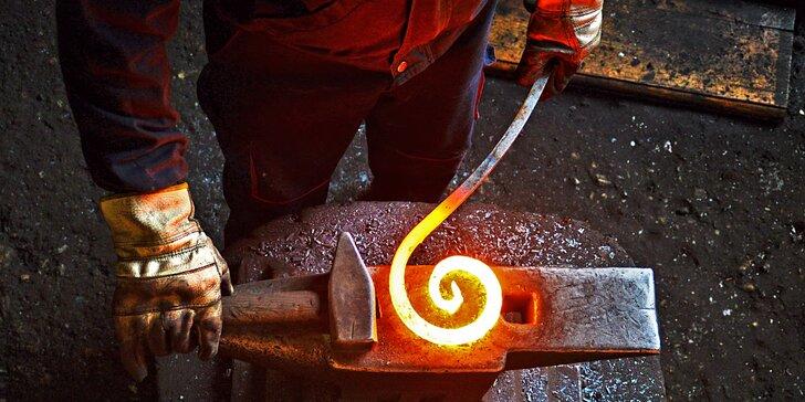 5 hodin v kovárně: kurz s výrobou svícnu, nože nebo jiného dárku