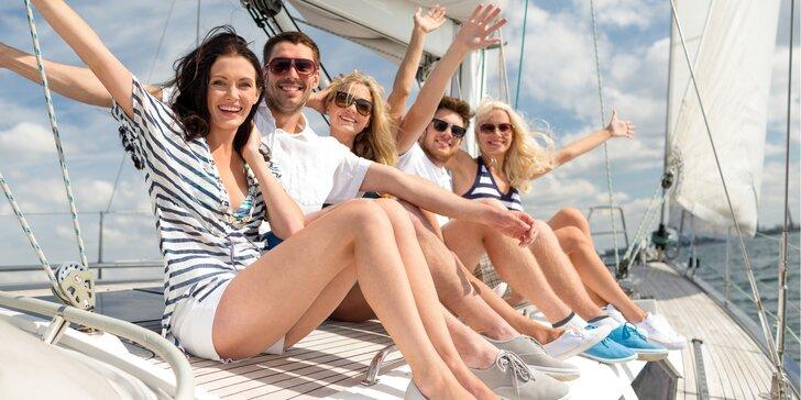 8hodinová plavba po Lipně: plachetnice pro 5 osob, s kapitánem i nápoji