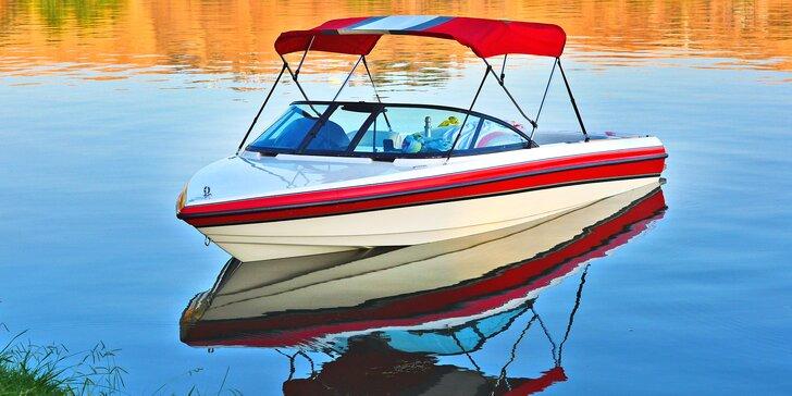 Plavba v motorovém člunu s kapitánem až pro 5 osob: 20 nebo 50 minut