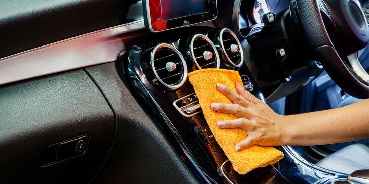 Rychločištění vnitřku auta či kompletní čištění vozu i s možností voskování