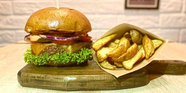 Masový nebo vege burger, americké brambory, dip a 20% sleva na nápoje pro 1 i 2 osoby
