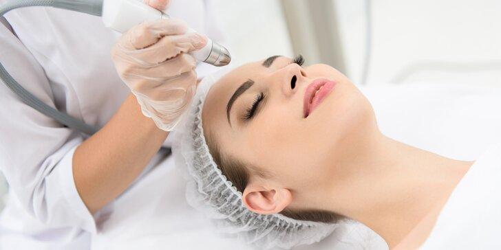 Ošetření přístrojem Aerosonic: masáž obličeje pro omlazení pleti nebo masáž zad i jiných partií proti bolesti