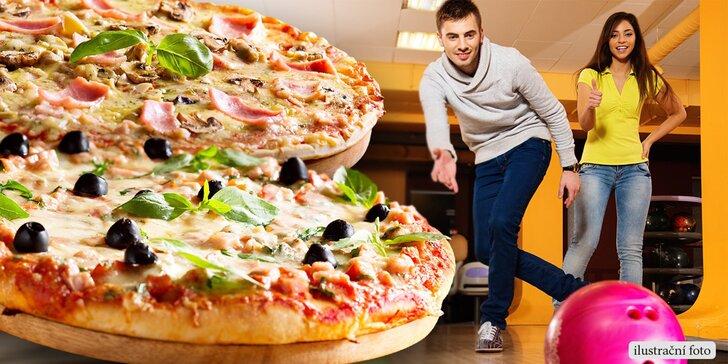 Zábava pro celou partu: 1 nebo 2 křupavé pizzy dle vašeho gusta a hodina bowlingu