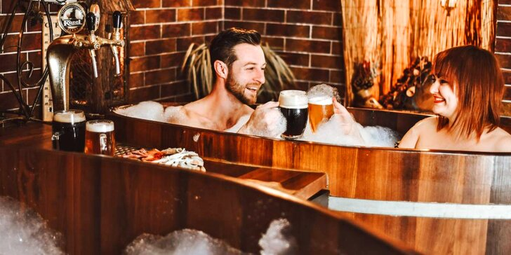Pivní lázně pro 1–2 osoby: koupel, cedrová sauna, neomezené popíjení piva