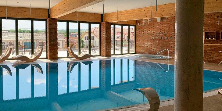 Lednicko-valtický areál: luxusní pobyt s wellness s bazénem, vinotékou a prosekárnou