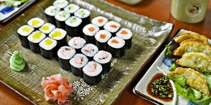 Až 64 ks sushi s rybami i zeleninou, taštičky plněné masem a zeleninou i wakame polévky