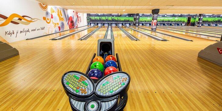 1 nebo 2 hodiny bowlingu na profesionální dráze až pro 8 hráčů