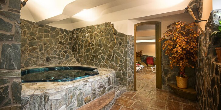 Dokonalý relax: 1–2 hodiny soukromí v sauně a obří vířivce až pro 4 osoby
