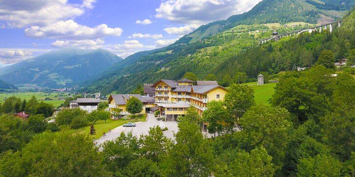 Hotel s výhledem na hory: snídaně, 4chodové večeře a spousta treků v okolí