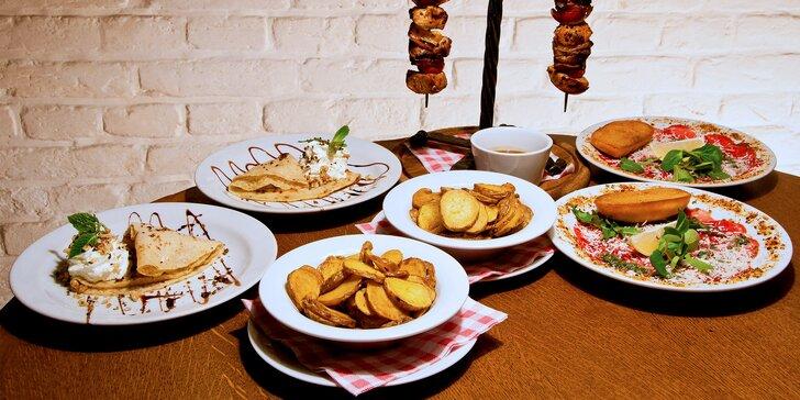 3chodové menu: carpaccio, chalupářský špíz se slaninou a palačinka s medem