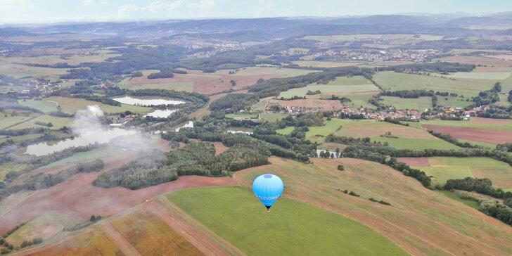 Zážitek na celý život: let balonem vč. slavnostního křtu pro 4 osoby