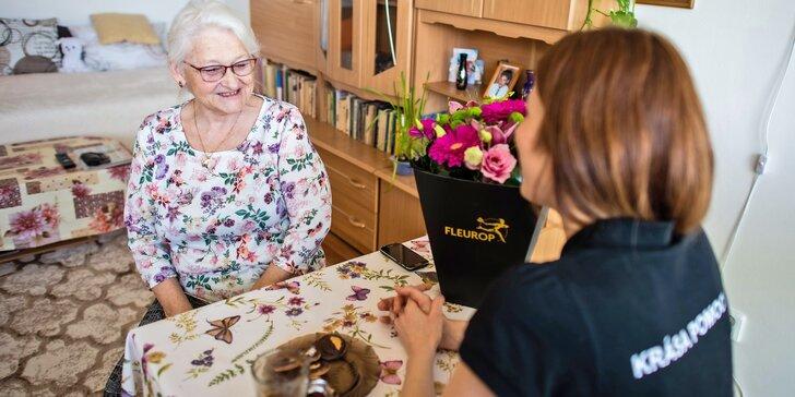 Přispějte nadaci, která pomáhá osamělým seniorům: nákup potravin, zajištění pochůzek i vlídné slovo