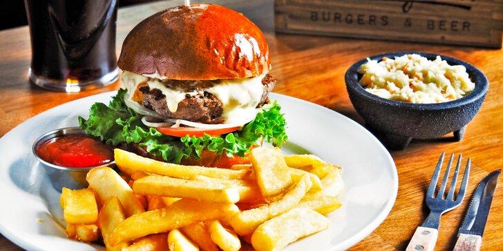 K odnosu domů: burger, domácí hranolky, coleslaw a lívance pro jednoho i dva