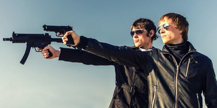 Dvojitá nálož adrenalinu: střelecké balíčky pro 2 osoby s až 12 zbraněmi