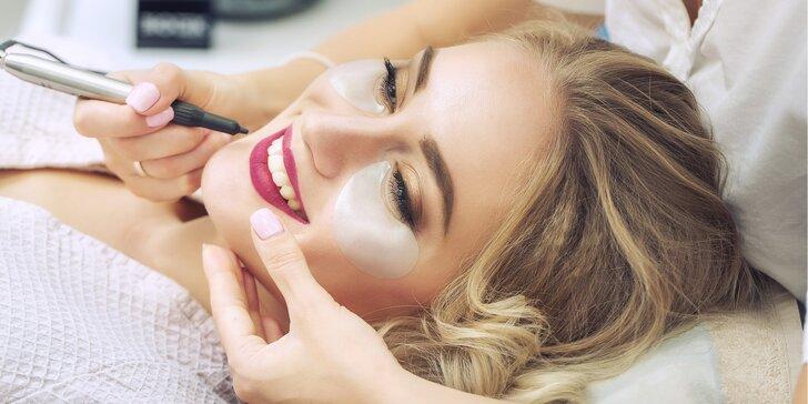 Permanentní make-up obočí nebo rtů pudrovou metodou