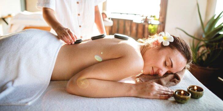 Víkendová relaxace: masáž zad a šíje včetně regenerace lávovými kameny