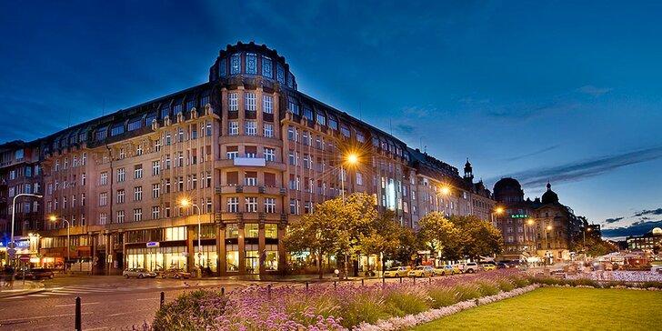 Pobyt přímo v centru dění: 4* hotel na Václavském nám. se snídaní, okružní jízdou i grilováním
