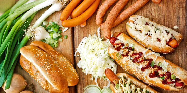 Hot dog podle výběru, hranolky a omáčka pro jednoho či dva na Dejvické