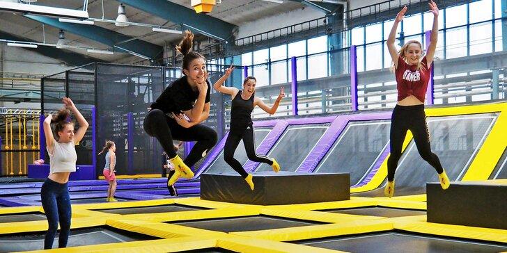 Zábavný JumpPark Brno: 1 nebo 2 hodiny hopsání, skákání a řádění na trampolínách