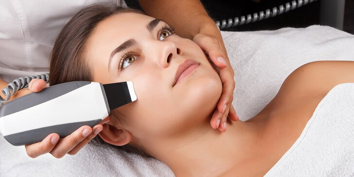 Kosmetické ošetření obličeje včetně masáže a čištění ultrazvukovou špachtlí