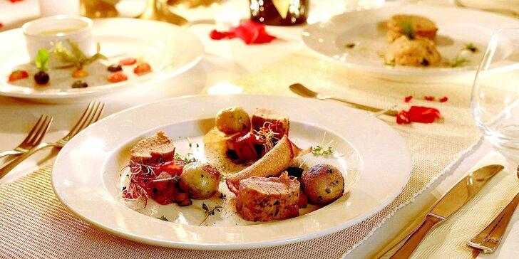 Romantická 3chodová večeře se svíčkami a přípitkem: tataráček, vepřová panenka a crème brûlée
