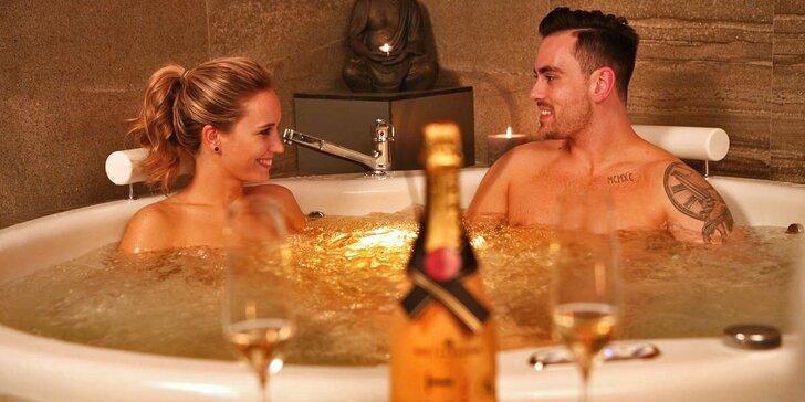 Privátní wellness s romantickou výzdobou pro zamilované: občerstvení, vířivka, sauna i masáže