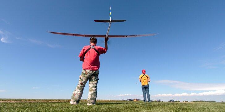 Pilotem RC modelu cvičného letounu nebo větroně, 1 či 2 hodinové lekce