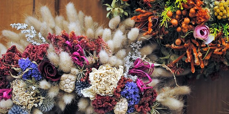 Dvouhodinový floristický kurz: výroba podzimního věnečku na dveře ze sušených a trvalých materiálů