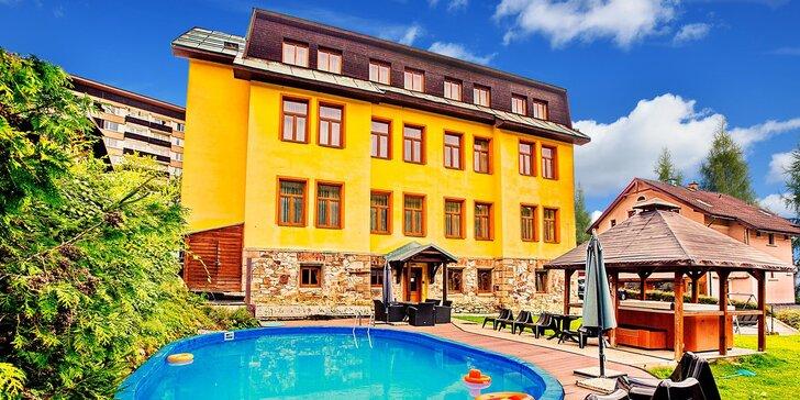 Penzion pod Černou horou: snídaně, bazén i vířivka a sauna, dětské hřiště, půjčení kol
