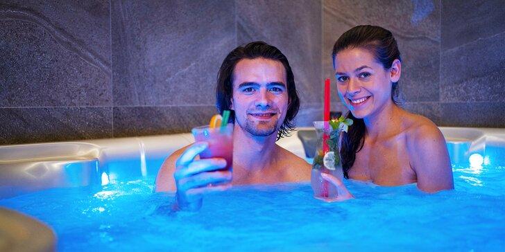 Privátní wellness pro 2 nebo 4 osoby: vířivka, sauna, sekt, ovoce i drinky