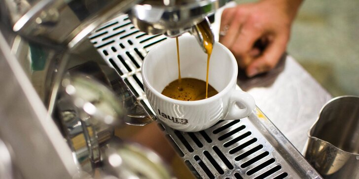 Kurz přípravy kávy: naučte se dokonalé espresso a cappuccino, navíc domů dostanete 250 g zrnkové kávy