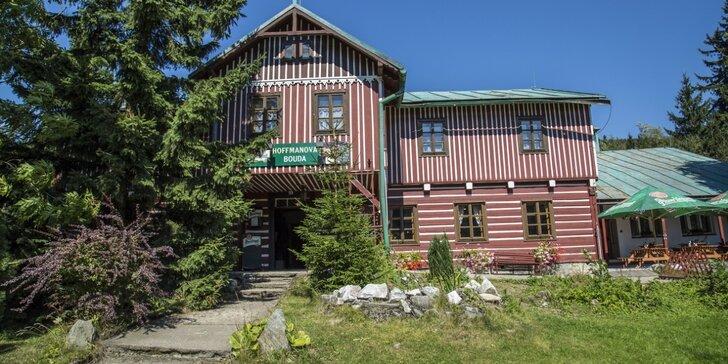 Ve dvou do Krkonoš: pobyt v horské boudě u Stezky korunami stromů, snídaně a slevová karta