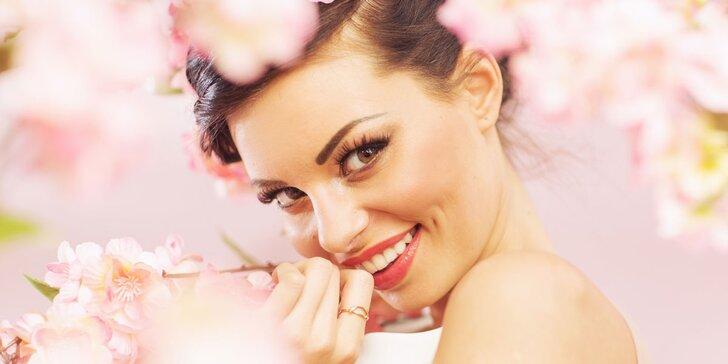 Kosmetické ošetření proti vráskám a akné přístrojem Face-Up
